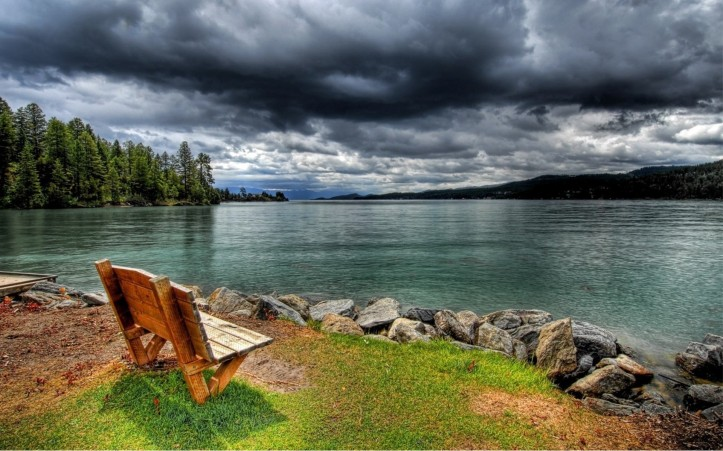 xinature.com-lakes-water-lakeside-trees-forest-sky-clouds-bench-stormy-lake-wallpapers.jpg